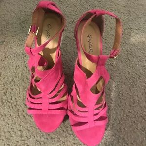 Shoes - Pink Wedge size 7